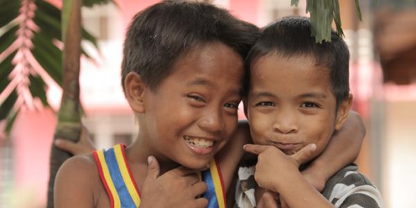 Die Beratung für Markenstrategie in München spendet dieses Jahr für Waisenkinder in Manila.